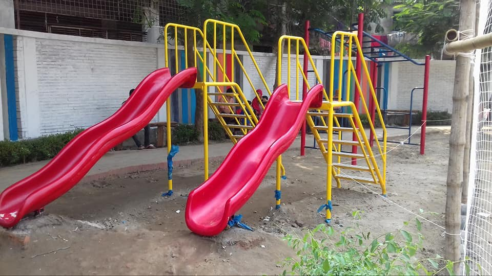 Outdoor playground equipment for roof top building